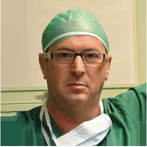 דר' סולומונוב מומחה לכירורגיה לפרוסקופית ולכירורגיה פתוחה ובין הבודדים בארץ בעלי נסיון בביצוע ניתוחים הפטו-ביליאריים (כבד, לבלב ודרכי מרה) באמצעות רובוט דה-וינצ'י.
